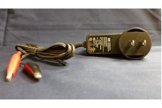 Battery Charger 12 V DC - Universal AC voltage input and plugs set